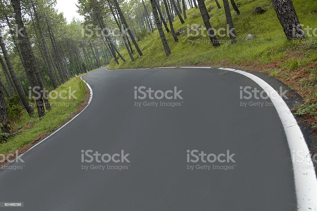 Agled Blick auf italienischen mountain road Lizenzfreies stock-foto