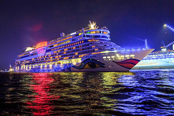 aidabella-cruiser - das traumschiff stock-fotos und bilder