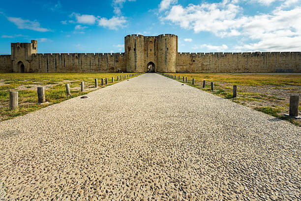 Aigues-Mortes entrance in city wall – Foto