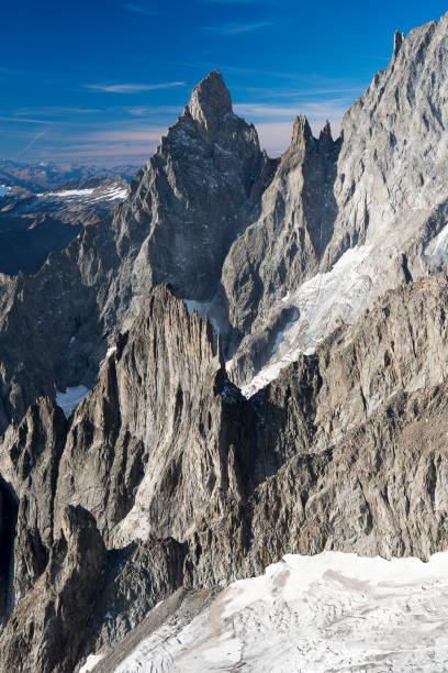 aiguille noire de peuterey mountain view from top of the skyway cableway - courmayeur estate foto e immagini stock