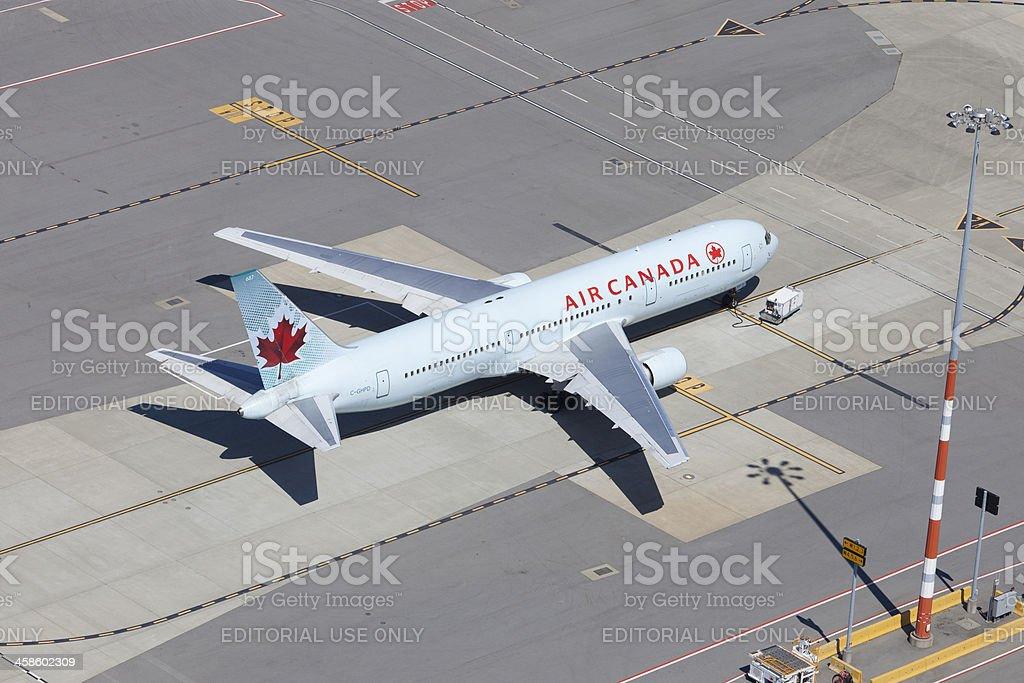 Air Canada 767 - Photo