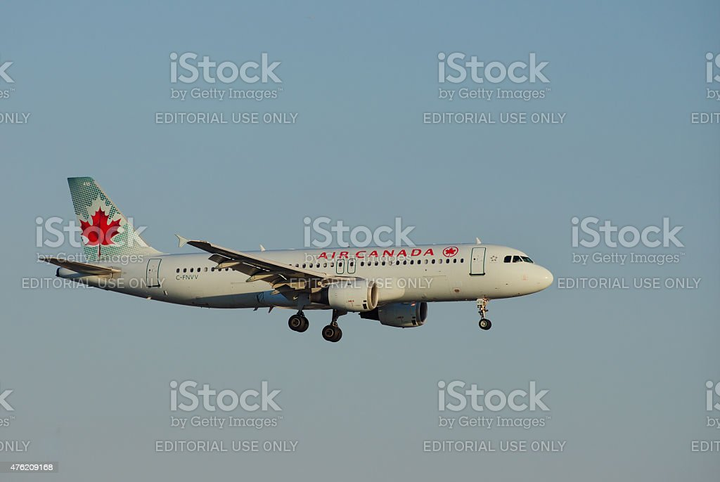 Air Canada Airbus A320 - Photo