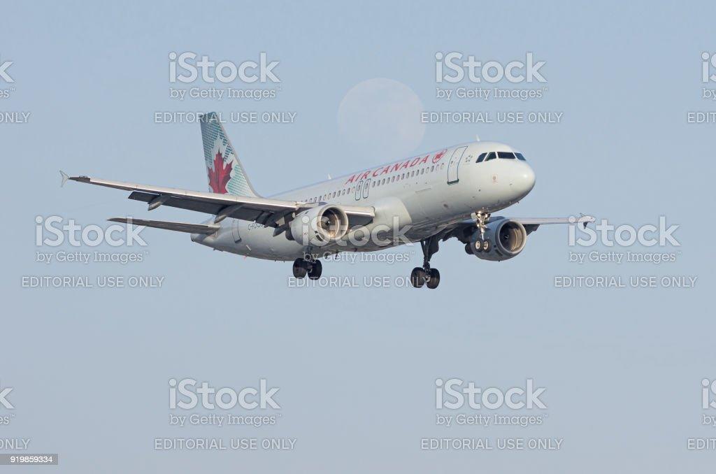 Air Canada Airbus et la lune - Photo