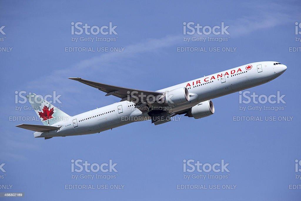 Air Canada Boeing 777-300/ER - Photo