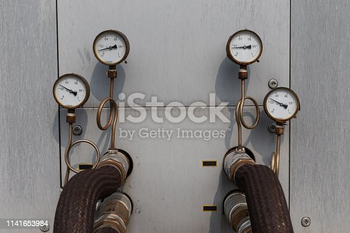 Air conditioning cooling pressure gauge