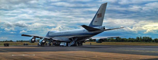 air force one - donald trump us president стоковые фото и изображения