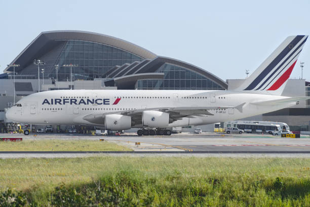 air france airbus a380 - a380 air france photos et images de collection
