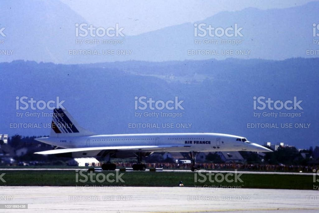 Air France Concorde sur la piste de l'aéroport de Klagenfurt 1984 - Photo