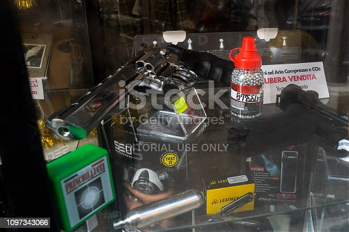 istock air gun for Softair, Rome 1097343066