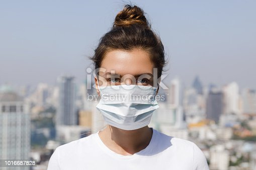istock Air pollution or virus epidemic in the city 1016687828