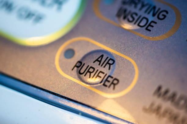 luftreiniger und luftentfeuchter. konzept zur luftreinigung und entfeuchtung. - luftfilter stock-fotos und bilder