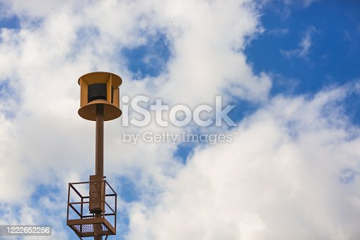 Air raid siren in Los Angeles. A civil defense siren is a siren used to provide an emergency population warning to the general population of approaching danger. It is sometimes sounded again to indicate the danger has passed. Some sirens are also used to call the volunteer fire department when needed.
