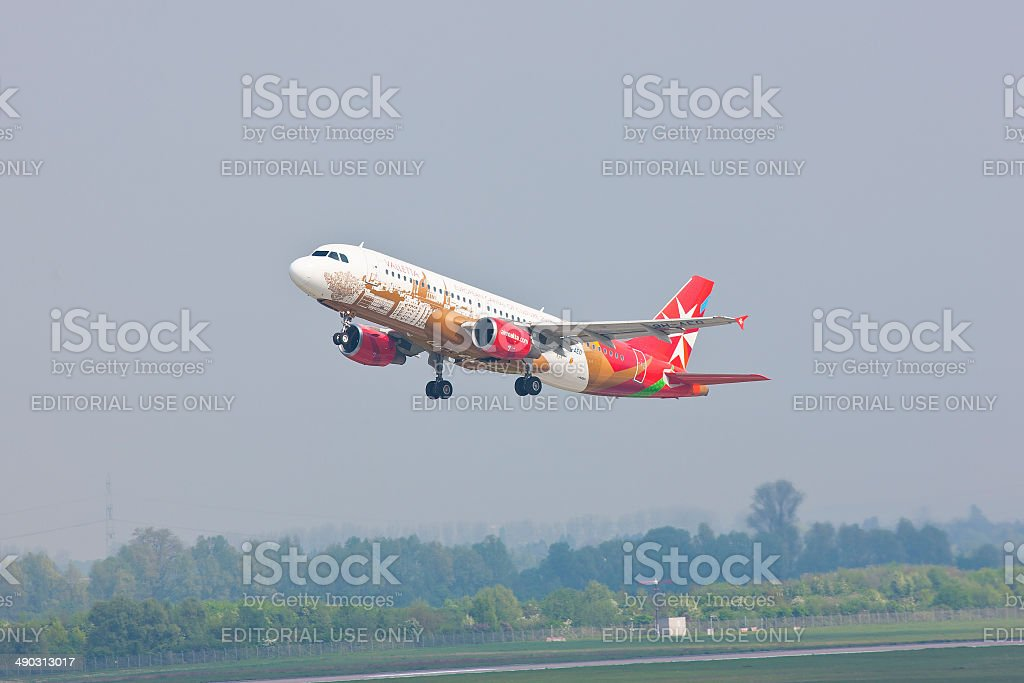 Airbus A20 take off from Düsseldorf International Airport stock photo