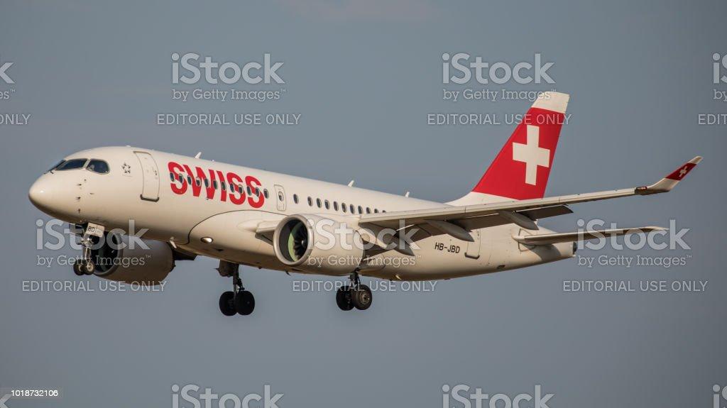 Airbus A220-100 Swiss International Airlines landet am Flughafen Zürich – Foto