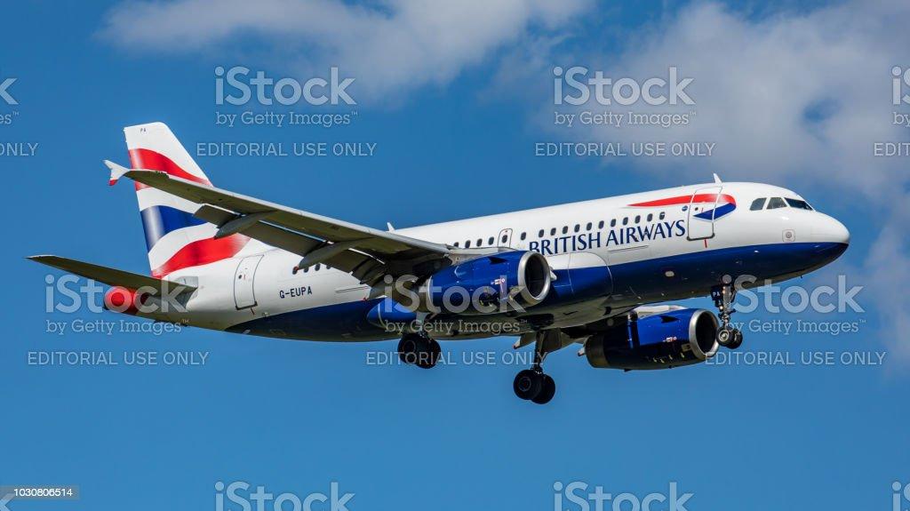 Airbus A319 British Airways landet am Flughafen Zürich – Foto