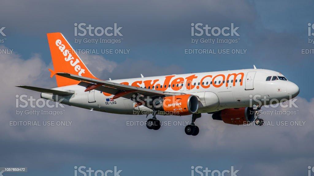 Airbus A319-111 Easy Jet landet am Flughafen Zürich – Foto