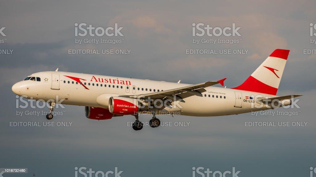 Airbus A320-200 Austrian Airlines landet am Flughafen Zürich – Foto