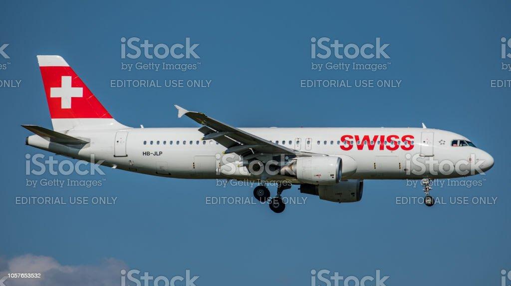 Airbus A320-214 Swiss International Airlines landet am Flughafen Zürich – Foto
