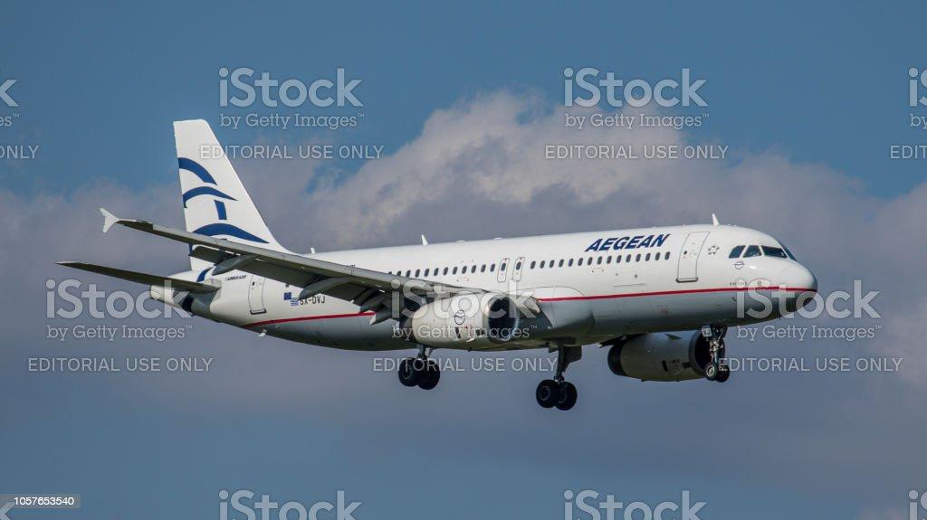 Airbus A320-232 Aegean Airlines undet am Flughafen Zürich – Foto