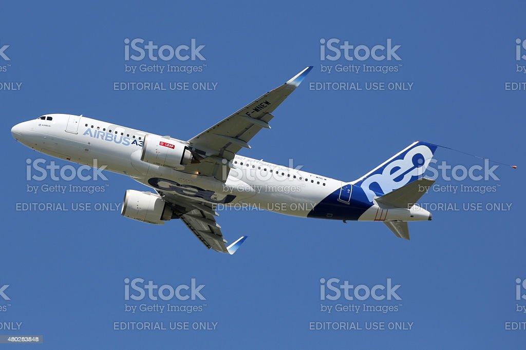 Airbus A320neo avión Toulouse airport - foto de stock