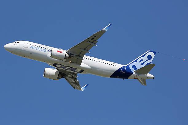 Airbus A320neo Flugzeug Flughafen Toulouse – Foto