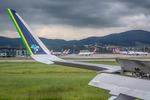 Airbus A320neo - Azul - Landing,  arriving, decelerating, Guarulhos, SP, Brazil