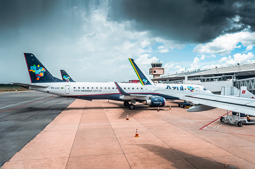 Airbus A320neo, wing view, winglets, Azul - Control Tower - Cuiaba International Airport - Control Tower - Cuiabá International Airport - Várzea Grande, Mato Grossso, MT, Brazil.