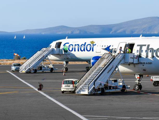 Airbus A321 avions des compagnies aériennes Condor et Thomas Cook - Photo