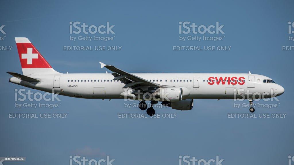 Airbus A321-111 Swiss International Airlines landet am Flughafen Zürich – Foto