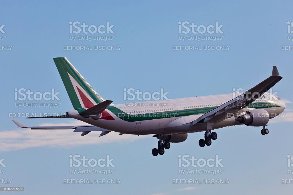 Airbus A330 Alitalia decolla dall'Aeroporto JFK - foto stock