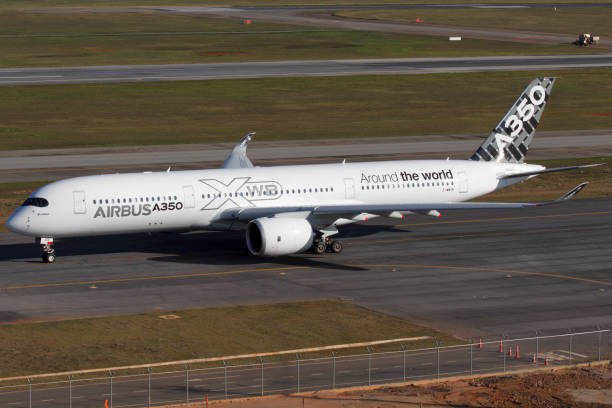 Airbus a350 900 at Guarulhos International Airport in Sao Paulo Brazil - foto stock