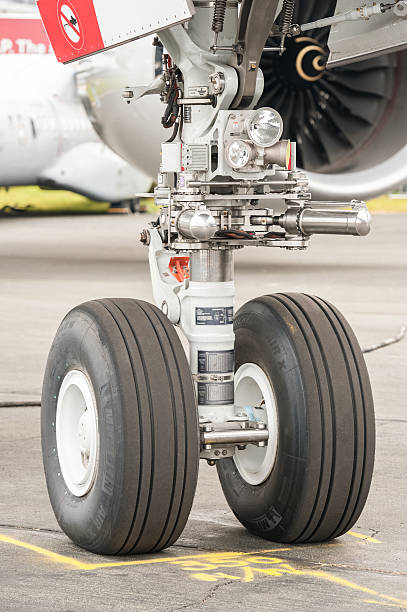 Airbus A350 nose wheel undercarriage - foto stock
