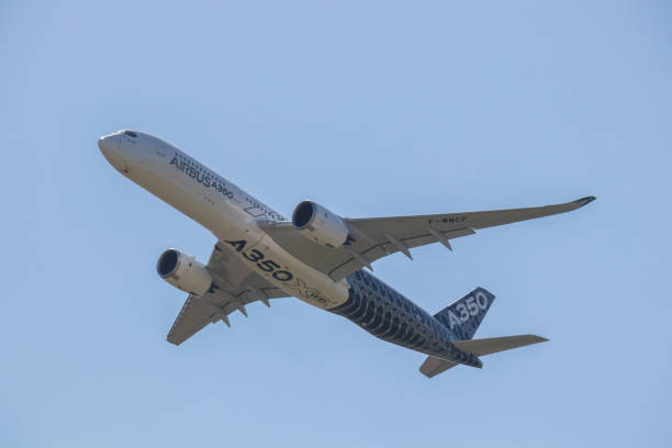 Airbus A350 XWB performs in a clear blue sky at the ILA - Berlin Air Show - foto stock