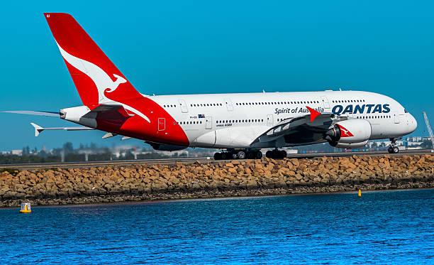 airbus a380 - qantas foto e immagini stock