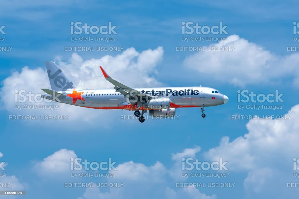 Aircraft Airbus A320 Of Jetstar Pacific Flying Through