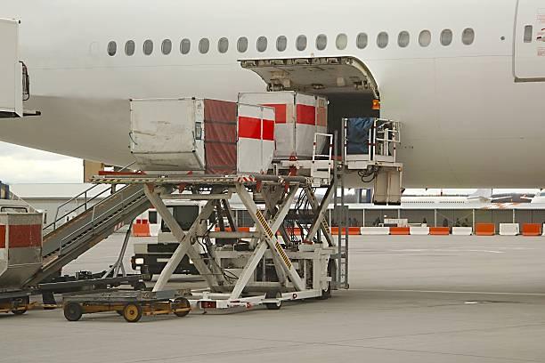 Manipulación de los aviones de tierra - foto de stock