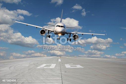 494996104 istock photo Aircraft low pass 467583458