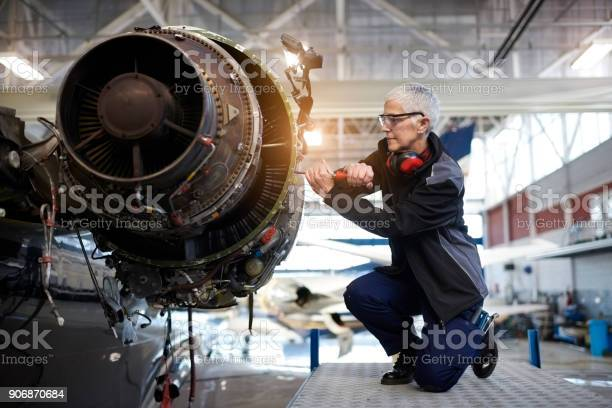 Aircraft mechanic in the hangar picture id906870684?b=1&k=6&m=906870684&s=612x612&h=whulypclyrsuvztnngottgqyqejfcbowqiic7nhy rs=