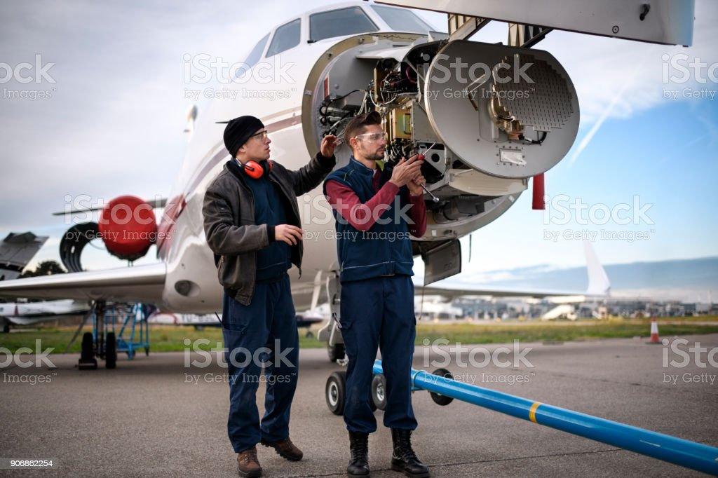 Flugzeugmechaniker – Foto