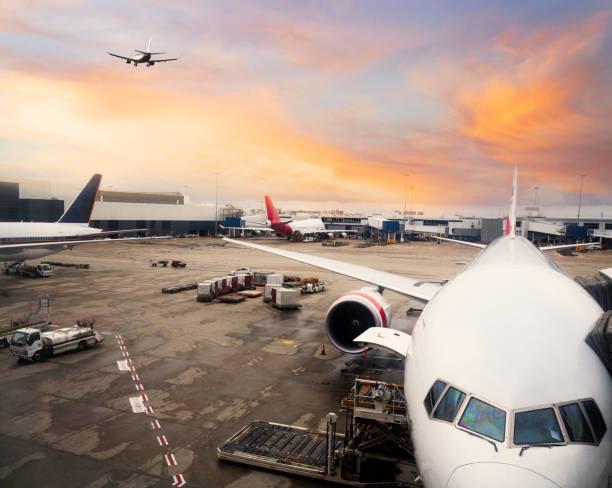 Flugzeug am Sydney International Airport – Foto