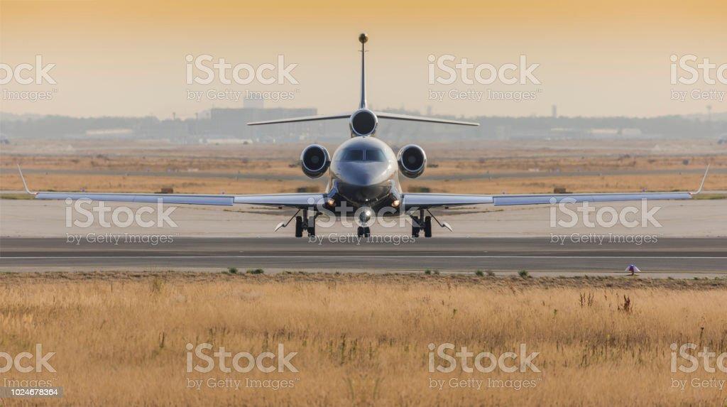 Photo Décoller Dassault Avant Libre Falcon 7 De Avion Droit X gbvfyI76mY