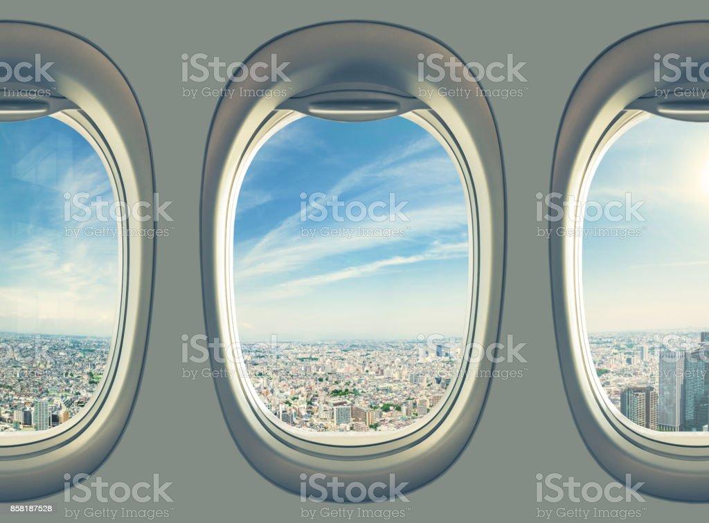 Flugzeug fliegen über Tokio – Foto