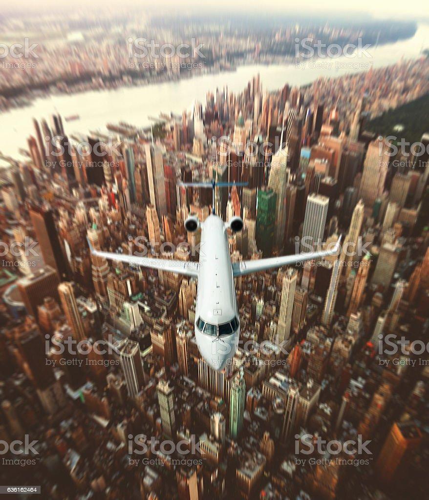 Aeroporto York : Foto de avião na cidade de nova york e mais banco de imagens de