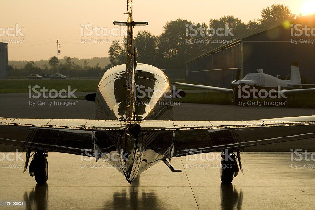 Flugzeug in der Kleiderbügel – Foto
