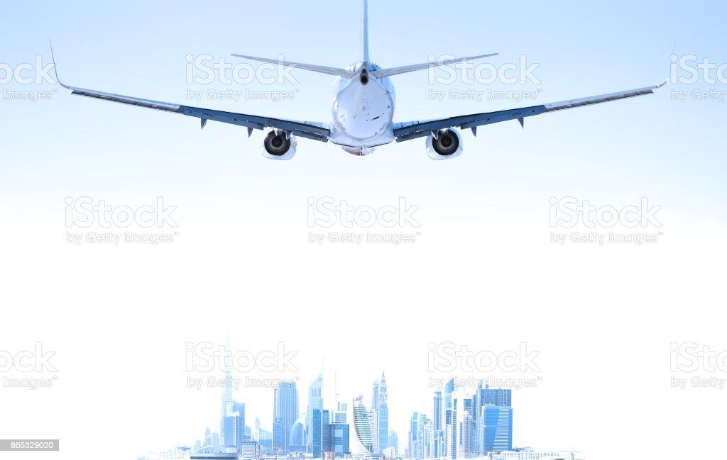 Flugzeug auf dem Weg nach Dubai. Skyline. – Foto