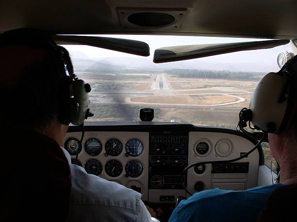 flugzeug piloten - flugschule stock-fotos und bilder