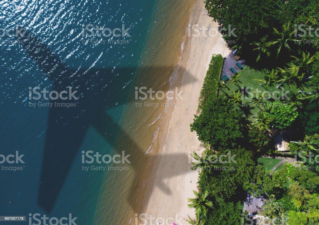 Flugzeug-Schatten über schönen Strand – Foto