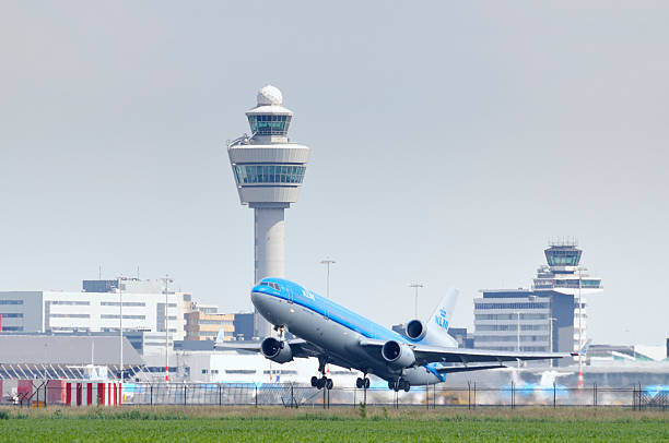 klm airplane taking off - schiphol stockfoto's en -beelden