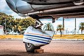 Trequilha, vulgo Trem de pouso (roda dianteira do avião) Piper Cherokee.