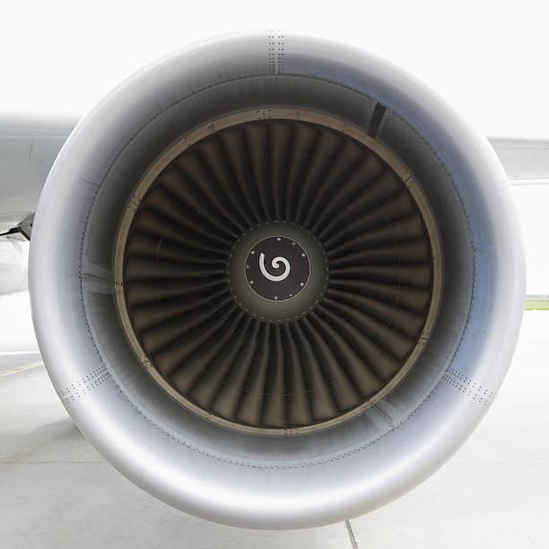 samolot turbinowy przędzenia - silnik odrzutowy zdjęcia i obrazy z banku zdjęć